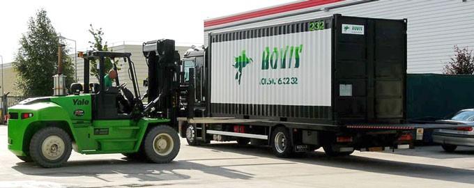 Chargement des conteneurs sur nos ensembles véhicules