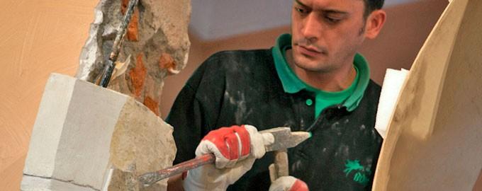 Desmontaje de monumentos y relieves esculpidos