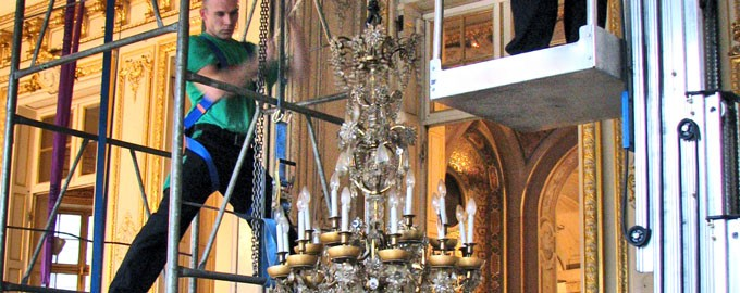 Desinstalación y reinstalación de lámparas de araña