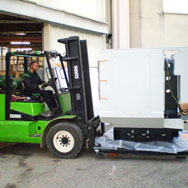Chariot élévateur Marchal Technologies pour manutention de matériel high tech